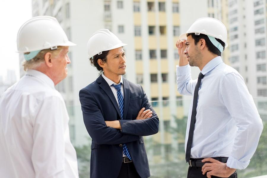 Sachverständigengutachten: Kann Gericht einem Sachverständigen Bauteilöffnungen aufgeben?