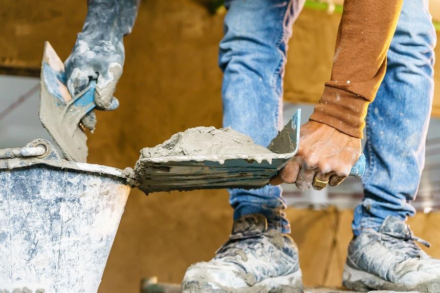 Bauvertrag: Abweichen von den anerkannten Regeln der Technik bei Sanierungsarbeiten
