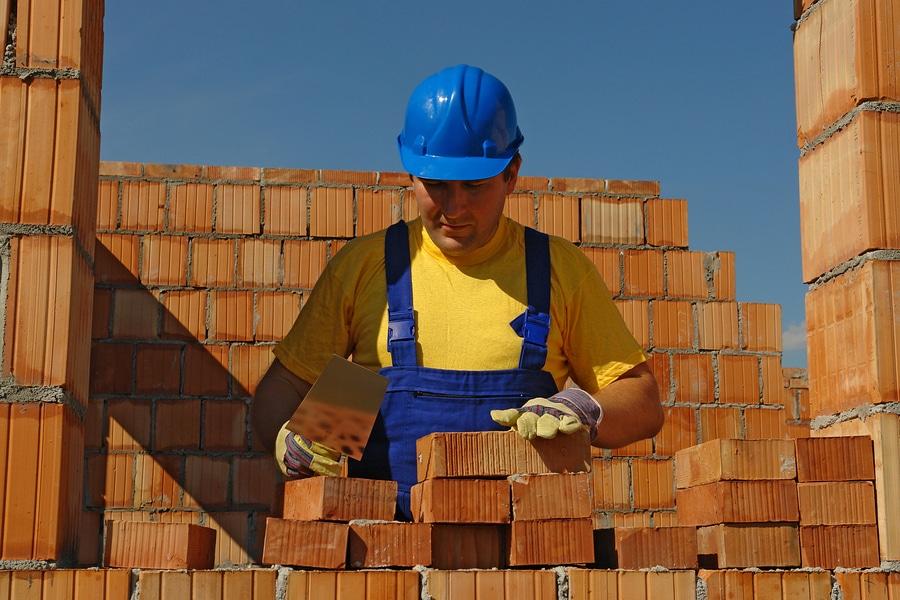 Schwarzarbeit oder Nachbarschaftshilfe im Hausbau