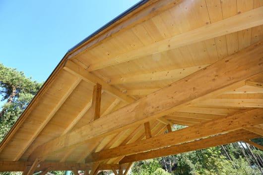 Beseitigung des Dachüberstandes eines Carports