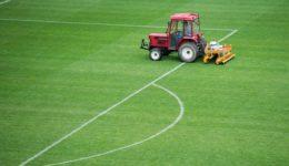 VOB-Vertrag - Mangelhaftigkeit eines Sportplatzes - Unverhältnismäßigkeit der Nacherfüllung