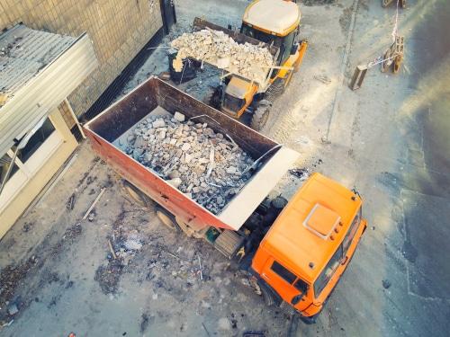 Mangelhafte Vertragserfüllung bei Abbrucharbeiten und Entsorgung des Abbruchmaterials