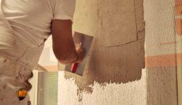 Durchführung von Putzarbeiten an einer Fassade - Prüfungs- und Hinweispflicht Werkunternehmer