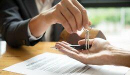 Bauträgervertrag über Eigentumswohnung - Schadenspauschale bei Nichtübergabe